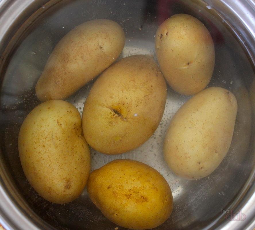 kartofelnuy-salat-s-semenami-konopli-1