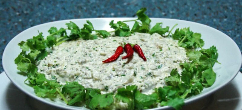 kartofelnuy-salat-s-semenami-konopli-4